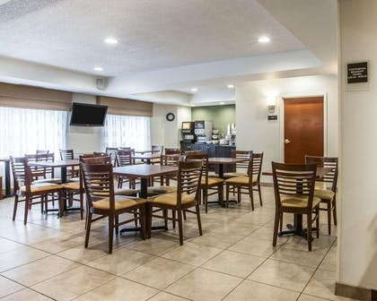 Free hot breakfast | Sleep Inn & Suites Queensbury - Glen Falls