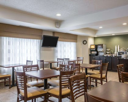 Breakfast area | Sleep Inn & Suites Queensbury - Glen Falls