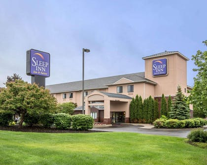 Hotel exterior | Sleep Inn & Suites Queensbury - Glen Falls