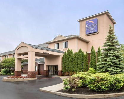 Beautifully landscaped hotel | Sleep Inn & Suites Queensbury - Glen Falls