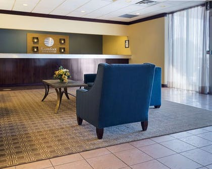 Front desk with friendly staff | Comfort Inn & Suites Airport