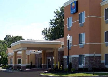 Comfort Inn and Suites hotel in Saratoga Springs, NY | Comfort Inn & Suites