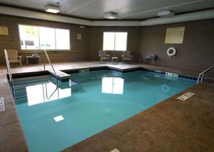 Hotel in Saratoga Springs NY with indoor heated pool | Comfort Inn & Suites