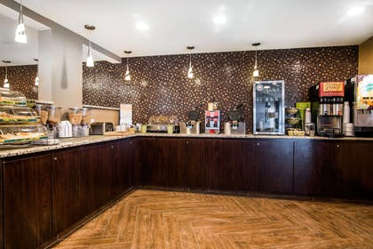 Breakfast area | Quality Inn & Suites Downtown
