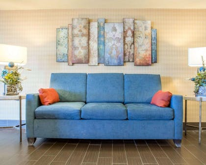 Beautifully decorated hotel | Comfort Inn Rochester - Greece