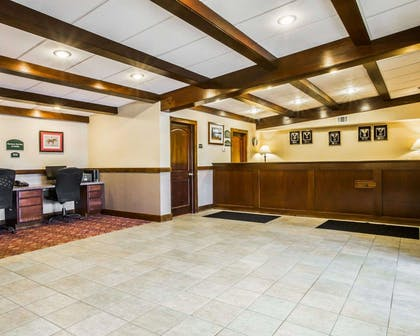 Front desk with friendly staff | Clarion Inn & Suites at the Outlets of Lake George