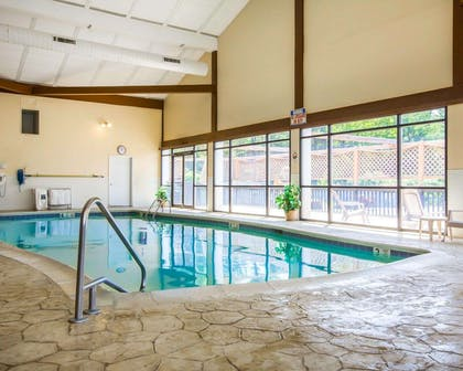 Indoor pool | Clarion Inn & Suites at the Outlets of Lake George