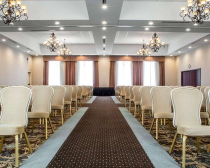 Large space for receptions, parties, anniversaries and business meetings | Comfort Suites Cicero - Syracuse North