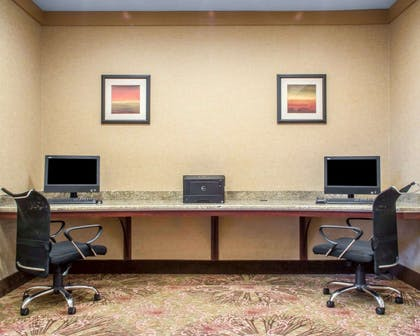 Business center with free wireless Internet access | Comfort Suites Cicero - Syracuse North