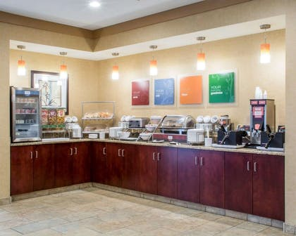 Free hot breakfast | Comfort Suites Cicero - Syracuse North