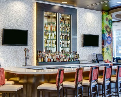Hotel bar | Cambria Hotel White Plains - Downtown