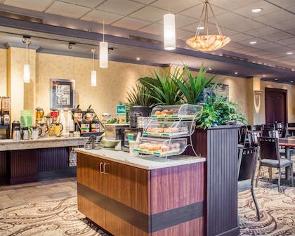 Breakfast area   Quality Inn & Suites Riverfront