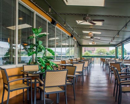 Outdoor dining area   Quality Inn & Suites Riverfront