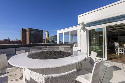 Rooftop lounge area | Curtiss Hotel, An Ascend Hotel Collection Member