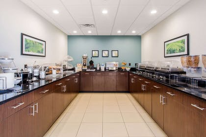 Breakfast counter | Sleep Inn & Suites Middletown - Goshen