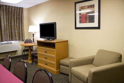 Meeting room with lounge area | Comfort Inn East