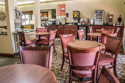Breakfast room | Comfort Inn East
