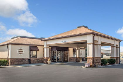 Comfort Inn East hotel in Oregon, OH | Comfort Inn East