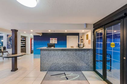 Front desk | The Blu Hotel, an Ascend Hotel Collection Member
