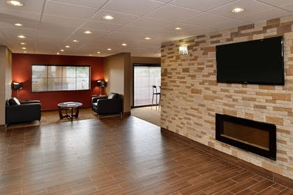 Spacious lobby with sitting area | Comfort Suites Columbus