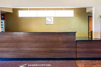 Front desk with friendly staff | Sleep Inn And Suites Oregon