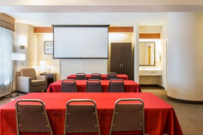 Meeting room | Sleep Inn And Suites Oregon