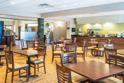 Spacious breakfast area | Sleep Inn And Suites Oregon