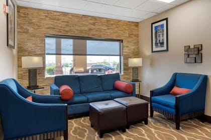 Lobby with sitting area | Comfort Suites Miamisburg - Dayton South