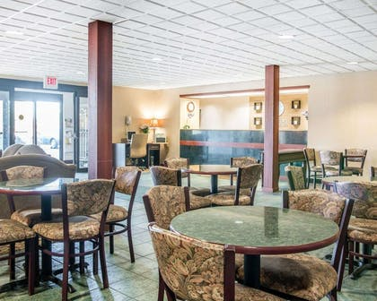Enjoy breakfast in this spacious area | Comfort Inn & Suites Maumee - Toledo (I80-90)