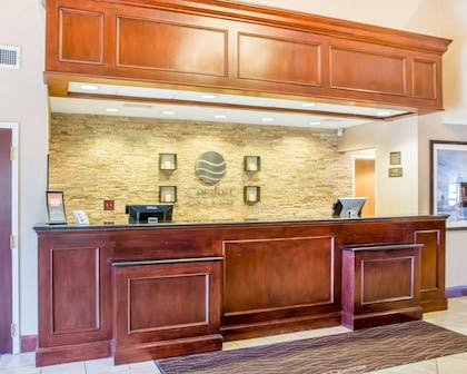 Front desk | Comfort Inn & Suites West Chester - North Cincinnati