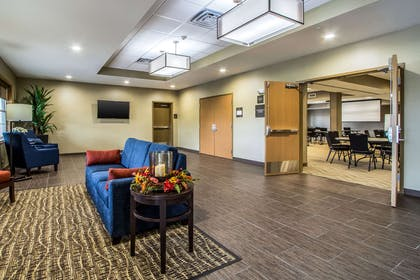 Meeting room | Comfort Suites Hotel and Conference Center