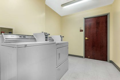 Guest laundry facilities | Comfort Suites Findlay I-75