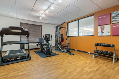 Fitness center | Comfort Suites Wright Patterson