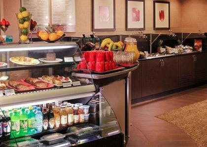 The breakfast buffet offers everything from fresh vegetable frittata to toasted granola with wild berries. Belgian waffles, eggs and more are made-to-order. | Cambria Hotel Columbus - Polaris
