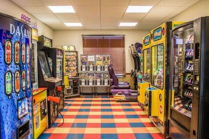Hotel arcade games | Comfort Inn & Suites Kent - University Area