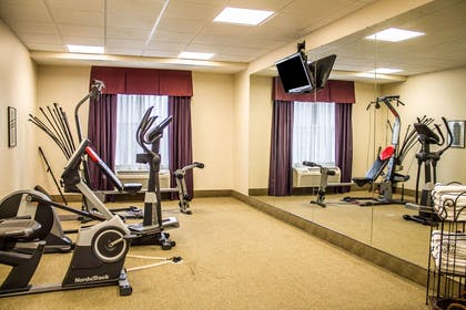 Fitness center | Comfort Inn & Suites Kent - University Area