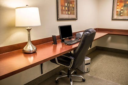 Business center | Comfort Inn & Suites Kent - University Area
