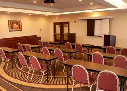 Meeting room with classroom-style setup | Comfort Inn & Suites Kent - University Area