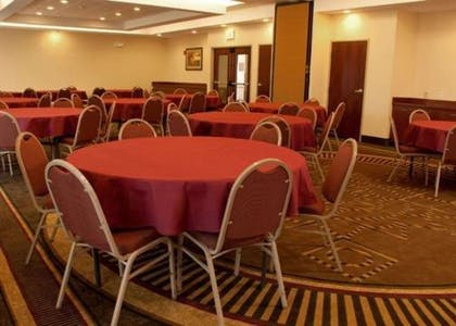 Banquetmeeting room | Comfort Inn & Suites Kent - University Area
