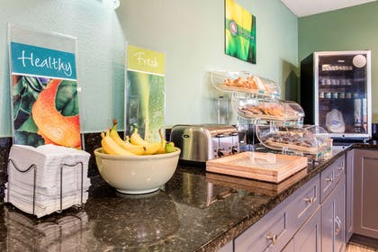 Breakfast counter | Quality Inn & Suites Miamisburg - Dayton South