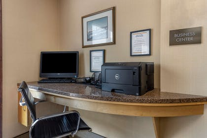Business center | Comfort Suites Kings Island