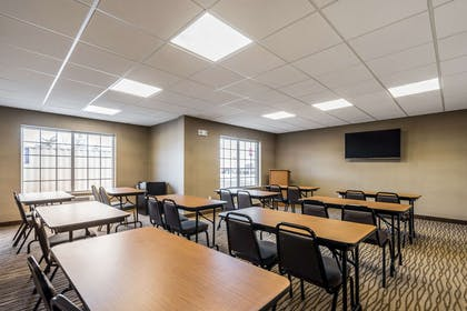 Meeting room | Comfort Inn & Suites Dayton North