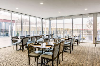 Enjoy breakfast in this seating area | Cambria Hotel Cleveland Avon