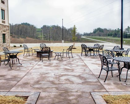 Relax on the hotel patio | Comfort Inn & Suites