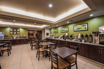Enjoy breakfast in this seating area | Sleep Inn & Suites Central/I-44