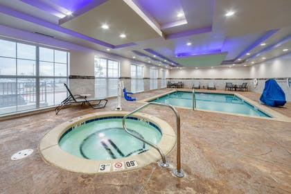 Indoor pool with hot tub | Comfort Inn & Suites Oklahoma City South I-35