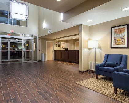 Spacious lobby | Comfort Suites Central/I-44