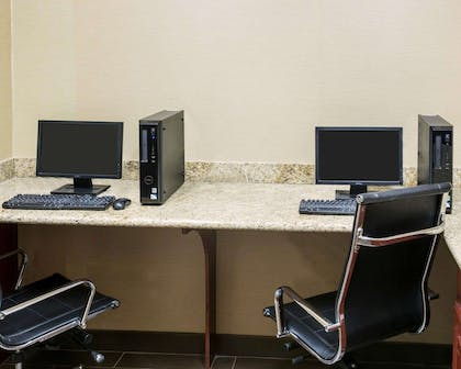Business center with high-speed Internet access | Comfort Suites Idabel