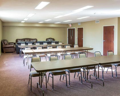 Meeting room with classroom-style setup | Comfort Suites Idabel