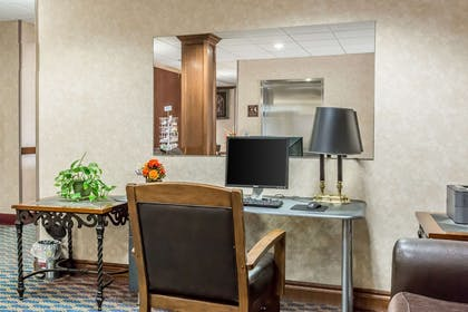 Hotel business center | Quality Inn & Suites